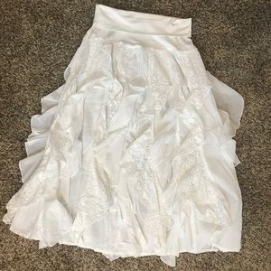 Dresses & Skirts - New with tags White layered Ruffle skirt